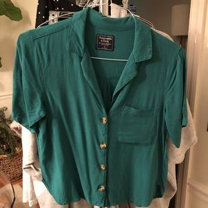 Abercrombie emerald green top with buttons Small